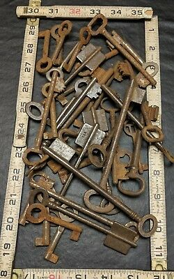 Huge Lot Of Vintage Antique Keys  Skeleton Hollow Barrel Door Keys 1.5 lbs +