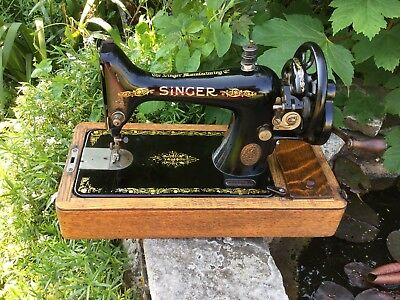 Singer Hand Crank Sewing Machine 99k Circa 1917 Cased With Key And Working