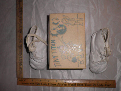 Antique Tiny Titan White Leather Baby Shoes, Size 3 In Original Box