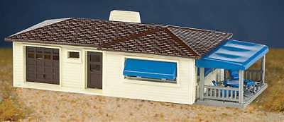 SP Whistle Stop BAC45156 HO Ranch House Kit, Cream & Brown 022899451565