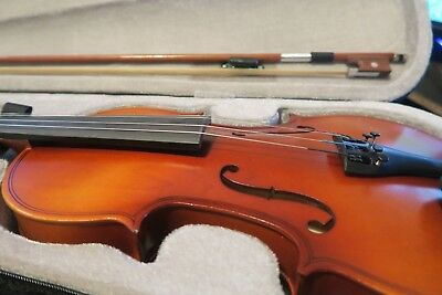 4/4 Full Size Beginners Acoustic Violin With Case and Bow Used