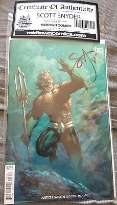 JUSTICE LEAGUE #10 Jim Lee Aquaman VARIANT SIGNED By Scott Snyder COA NM DC