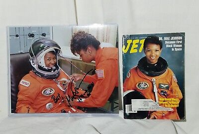 MAE JEMISON 1st African American Woman in Space SIGNED Photo & 1992 Jet Magazine
