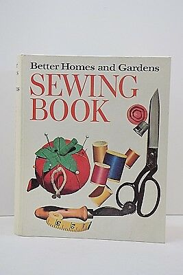 Better Homes and Gardens Sewing Book Vintage 1970 5 Ring Binder Second Edition