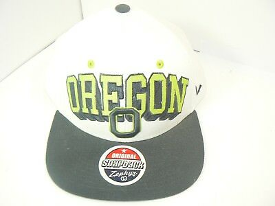 online retailer 39ac4 6b504 Oregon Ducks Cap Zephyr Adjustable Flat Bill Snapback Jolt Trucker Hat NCAA