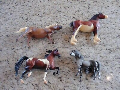 Breyer Reeves & Marchon 1988 Horse Lot  of 4