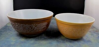 Lot of 2 Pyrex Mixing Nesting Bowls Woodland Brown # 403 & # 402