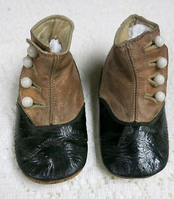vintage child leather boots - glass button up sides