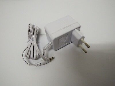 AC/DC Adapter weiss 5Volt/300mA Formano 506536