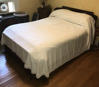 Vintage White Cotton Textured Bedspread, Morgan Jones, Full Size