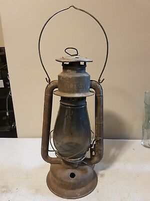 Antique Beacon Barn Lamp Railroad Lantern With Globe Gas Kerosene Canada rare