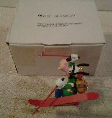 """Disney Holiday Christmas """"GOOFY"""" collectible ornament includes box MINT"""