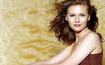 Kirsten Dunst With Hair In The Air 8x10 Quality Photo Print