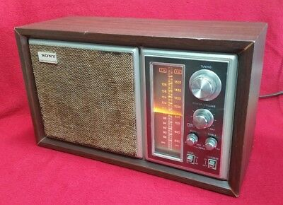 Vintage Wooden SONY AM/FM Table Radio ICF-9550W Lighted Works Great!