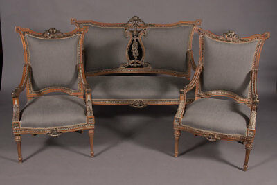 Elegante French Lounge Suite Set in the Louis Seize Style