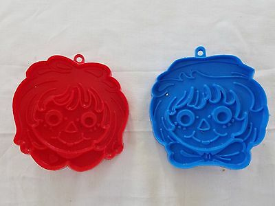 Cookie Cutters Raggedy Ann and Andy Face Red Blue Vintage 1978 Bobbs Merril set