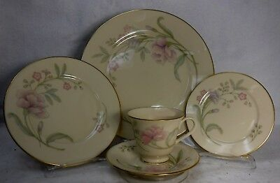 LENOX china HEIRESS pattern 5-piece Place Setting -cup saucer dinner salad bread