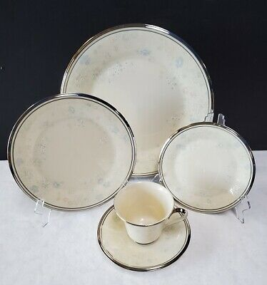 LENOX china NICOLE pattern 5-piece Place Setting -cup saucer dinner salad bread