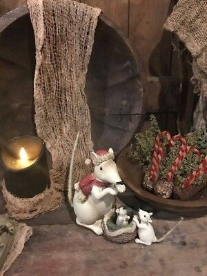 Primitive Christmas Mouse With Babies Santa Cap Cupboard Tuck Cabin Farmhouse