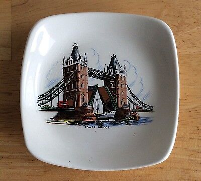 """Tower Bridge Souvenir Dish Plate Wade England Small 4 1/4"""" Square Display Only"""