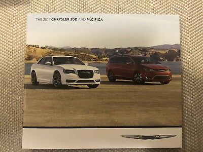 2019 CHRYSLER 300 and PACIFICA 16-page Original Sales Brochure (small)