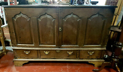 Antique Solid Oak 2 Door Sideboard with 3 Base Drawers