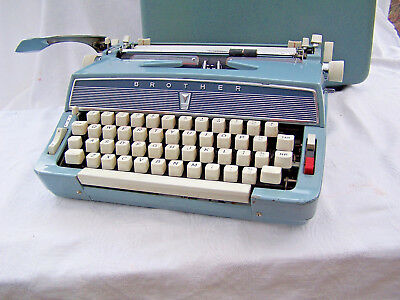 VINTAGE 60's RARE BROTHER PORTABLE TYPEWRITER + CASE SERVICED TESTED