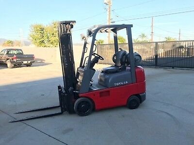 Toyota Forklift 3500lbs , Side Shift , 3 Stage Mast 7FGCU18