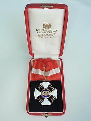 Italy Order Of The Crown Commander Grade Made In Gold. Cased. Rare. Vf+