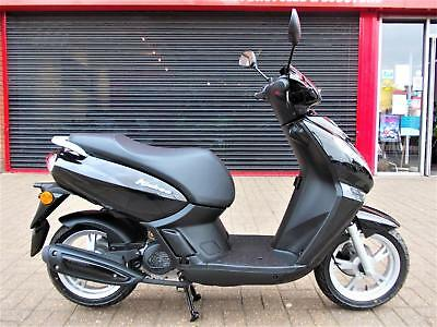 Peugeot Kisbee 50 Scooter Moped Brand New 2 Year Warranty Authorised Dealer