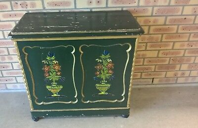 Antique Wooden Green Closet With Flowers Image Brocante