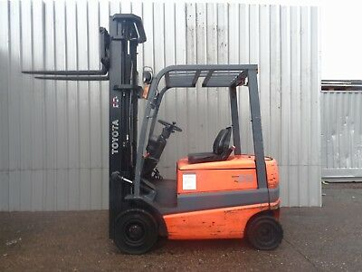TOYOTA  FBMF20. 6500mm LIFT. USED ELECTRIC FORKLIFT TRUCK. (#2209)