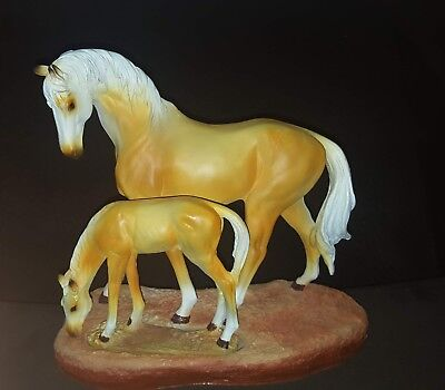 Horse and Pony statue figurine absolutely beautiful very detailed. NEW.