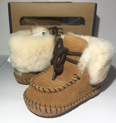 eb38fc791d8 UGG SPARROW BOOTIE Boot Infant Baby Boy Girl Shearling SUEDE Chestnut 0-6  6-12 m