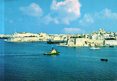 Malta  -  Senglea - The old fortified city with the massive bastions