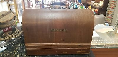 Vintage Portable Singer No. 99 Sewing Machine With Case & Key
