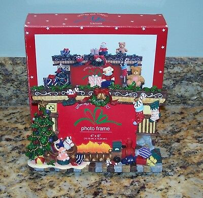JCPenney 3D Picture Frame Fireplace Mantel w/Christmas Presents & Toys 4x6 Photo
