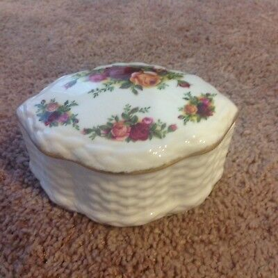 Royal Albert Old Country Roses BASKETWEAVE OVAL TRINKET BOX- NEW MADE IN ENGLAND