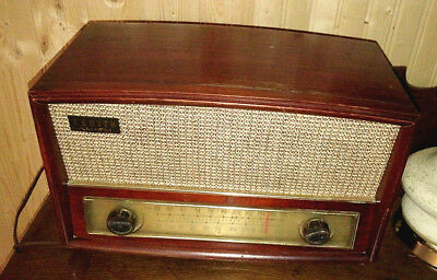Zenith G730 Vintage Wood Cabinet AM/FM Tube Radio Tested and Works