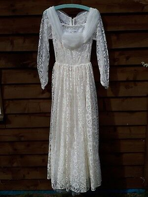 "Vintage Handmade 1950's Lace Long Sleeved Wedding Dress Bust 32"" Size 6-8"