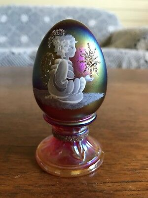 Fenton Limited Edition Hand Painted Art Glass Egg Signed B Cumberledge #495/2500