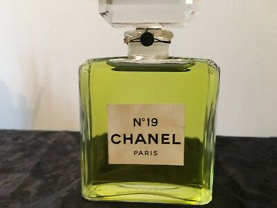 CHANEL FACTICE BOTTLE Rare No19 Vintage 1970s GLASS 200ml approx