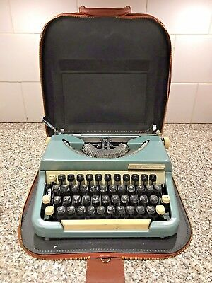 Imperial Good Companion portable typewriter model 6 & Leather Case -Vintage 60s