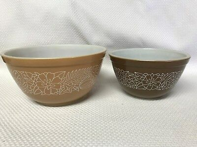 Vintage Pyrex Brown and Tan Woodland Mixing/Nesting Bowls, Set of 2