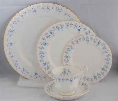 "1-ROYAL ALBERT ""MEMORY LANE"" - 5 PIECE PLACE SETTING ( 14 AVAILABLE) England"