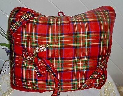 L256 Vintage Unused 1950's Tartan Padded Tea Cosy with Lucky White Heather