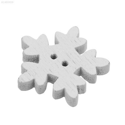 031F 25Pcs/Pack Christmas White Snowflake Wood Buttons Xmas Sewing Baby Buckle