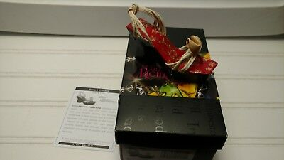 Just the Right Shoe-Step Into Your Fantasies-Smart Cookie-2006 Raine-Box and COA