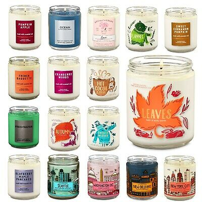 Bath & Body Works Medium Single Wick Scented Candle - 2018 Christmas Gift