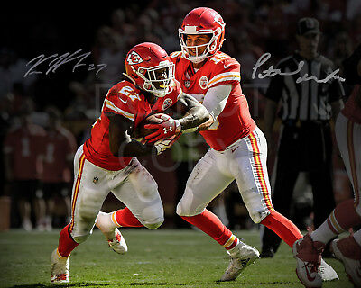PATRICK MAHOMES KAREEM HUNT SIGNED PHOTO 8x10 REPRINT AUTOGRAPHED CHIEFS